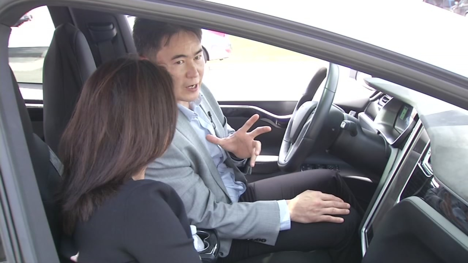 Owner describes features on Tesla involved in deadly SF crash