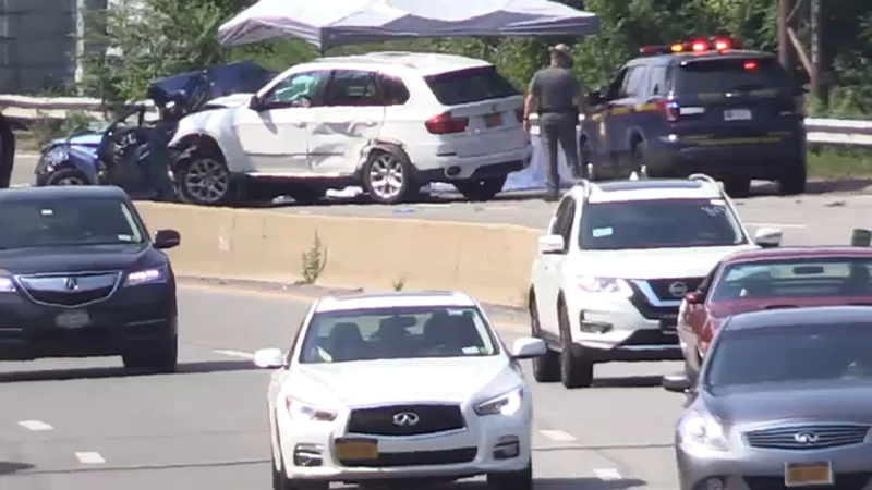 2 Killed After 4 Car Crash On Meadowbrook Parkway Near Carle Place