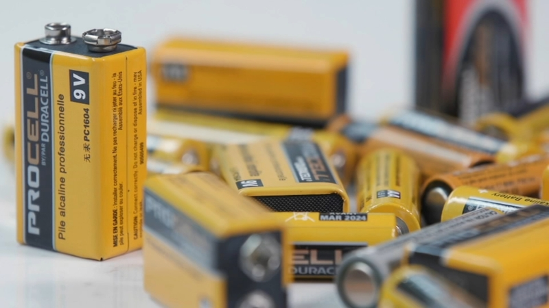 How To Dispose Of Batteries >> How To Dispose Of Your Dead Batteries The Right Way