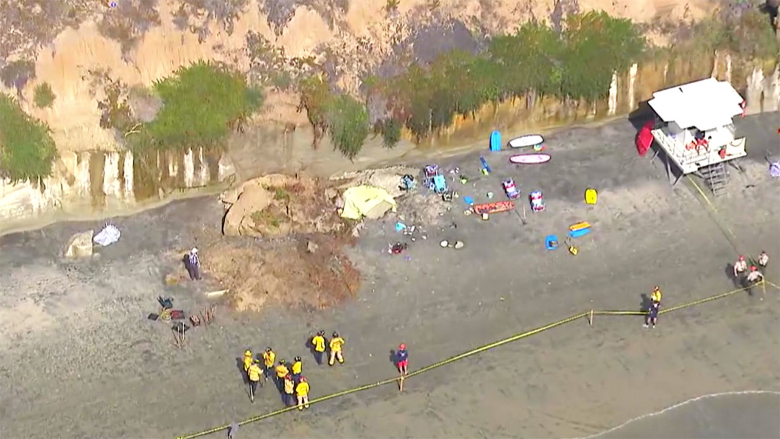 Collapsing cliff claims 3 lives along San Diego-area beach