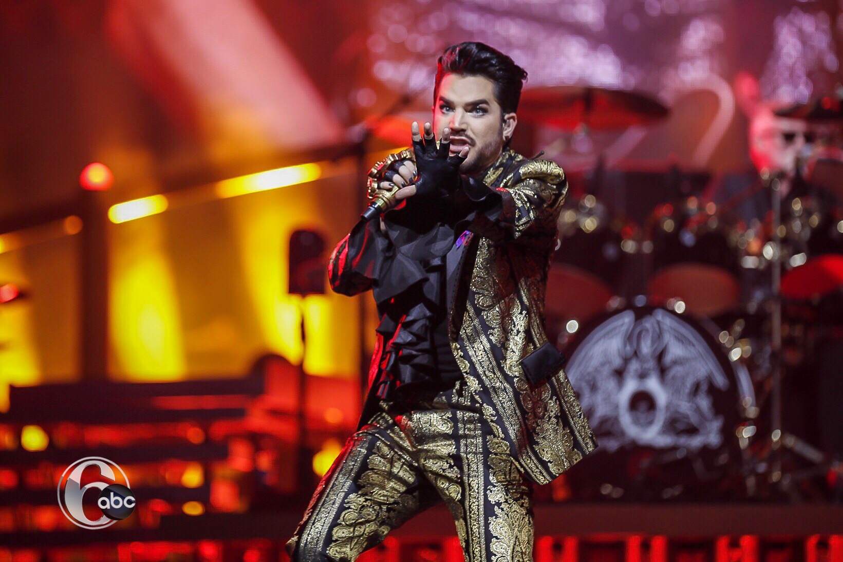 Queen and Adam Lambert Perform To Sold Out Crowd | 6abc com