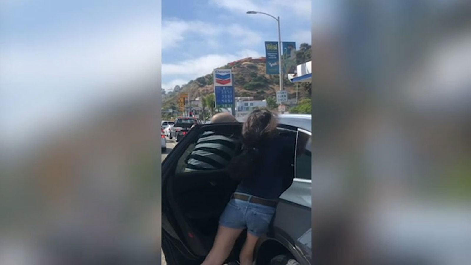 VIDEO: Apparent road rage confrontation escalates into attack on Pacific Coast Highway