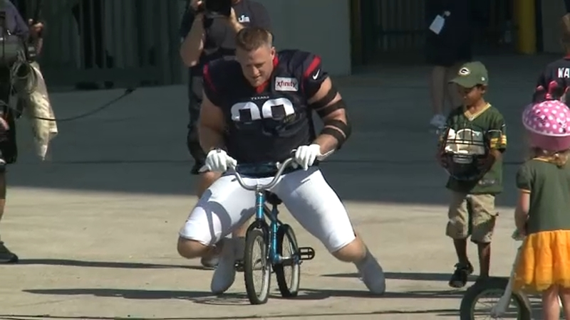 Jj Watt Breaks Child S Bike As Texans Ride In Packers Tradition Abc13 Houston