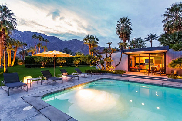 "<div class=""meta image-caption""><div class=""origin-logo origin-image none""><span>none</span></div><span class=""caption-text"">Pool with view of guest house (KABC Photo/ Facebook / Dinah Shore Palm Springs Estate)</span></div>"