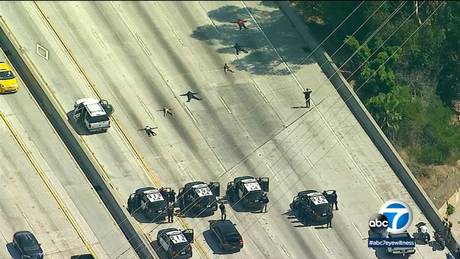 Chase shuts down SB 405 Freeway in Westchester