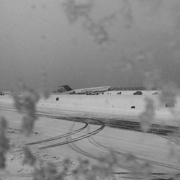 "<div class=""meta image-caption""><div class=""origin-logo origin-image none""><span>none</span></div><span class=""caption-text"">Plane skids off runway at LaGuardia Airport on March, 5, 2015.  (Photo by Kristina Grossmann via Instagram)</span></div>"