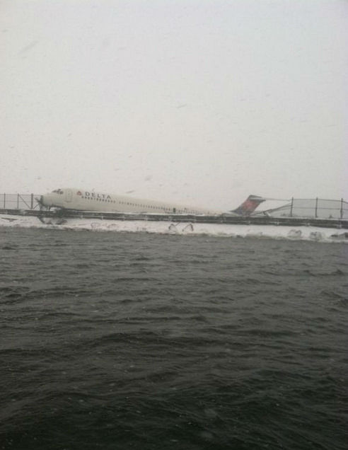"<div class=""meta image-caption""><div class=""origin-logo origin-image none""><span>none</span></div><span class=""caption-text"">Photos of a plane that skidded off the runway at LaGuardia Airport on March 5, 2015. (Courtesy FDNY)</span></div>"
