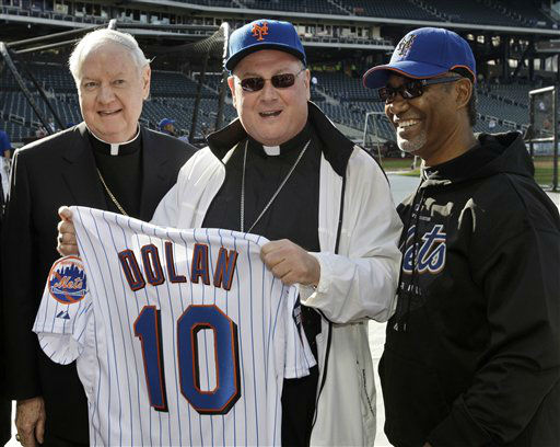 """<div class=""""meta image-caption""""><div class=""""origin-logo origin-image none""""><span>none</span></div><span class=""""caption-text"""">Archbishop Timothy Dolan poses for photographs with Archbishop Emeritus of New York, Cardinal Edward Egan and Mets manager Jerry Manuel (AP Photo/ Frank Franklin II)</span></div>"""