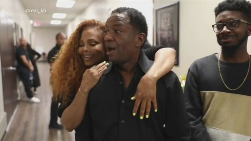 Sons surprise dad with Janet Jackson tickets, run into star backstage