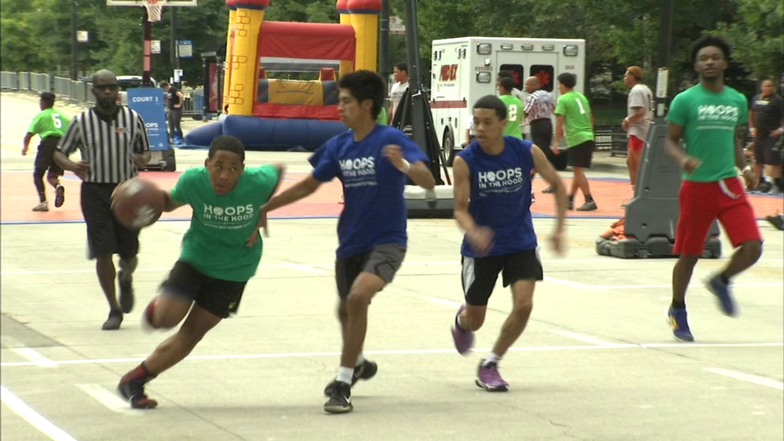 More than 400 kids compete in 'Hoops in the Hood' tournament in downtown Chicago