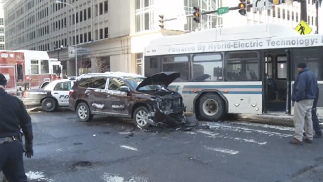 SUV collides with DART bus in Wilmington