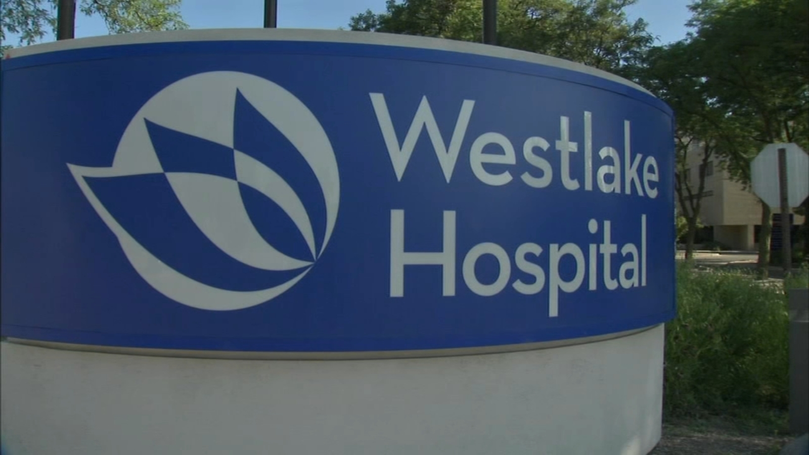 Westlake Hospital employees attend federal hearing on bankruptcy