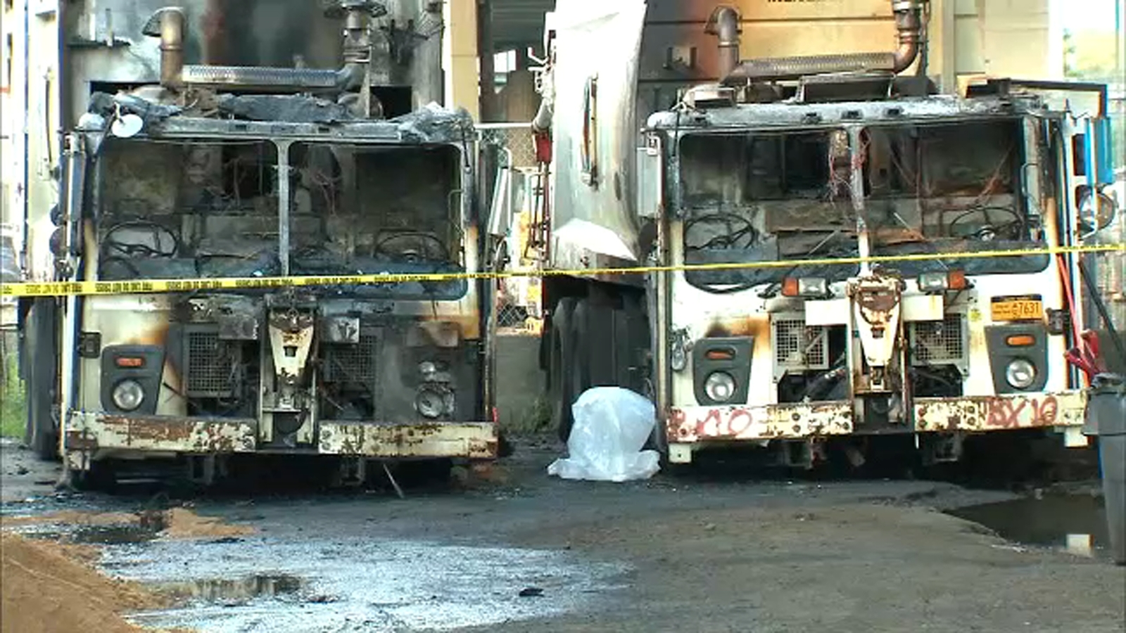2 garbage trucks catch fire in Mott Haven