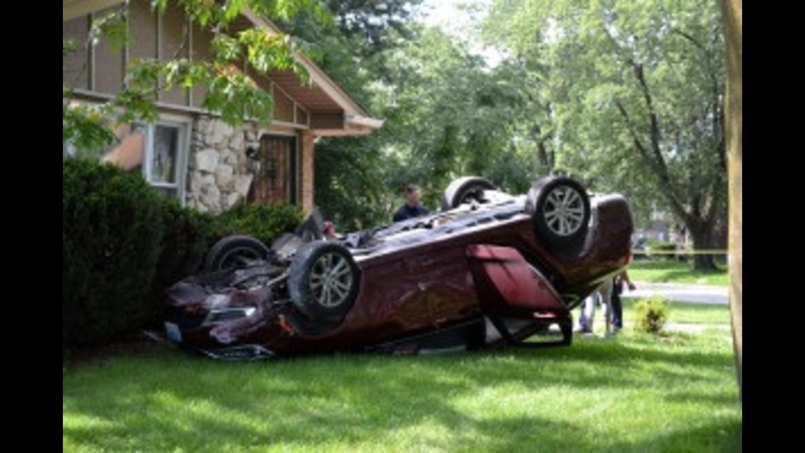 Car crashes into Dolton home while fleeing gunfire
