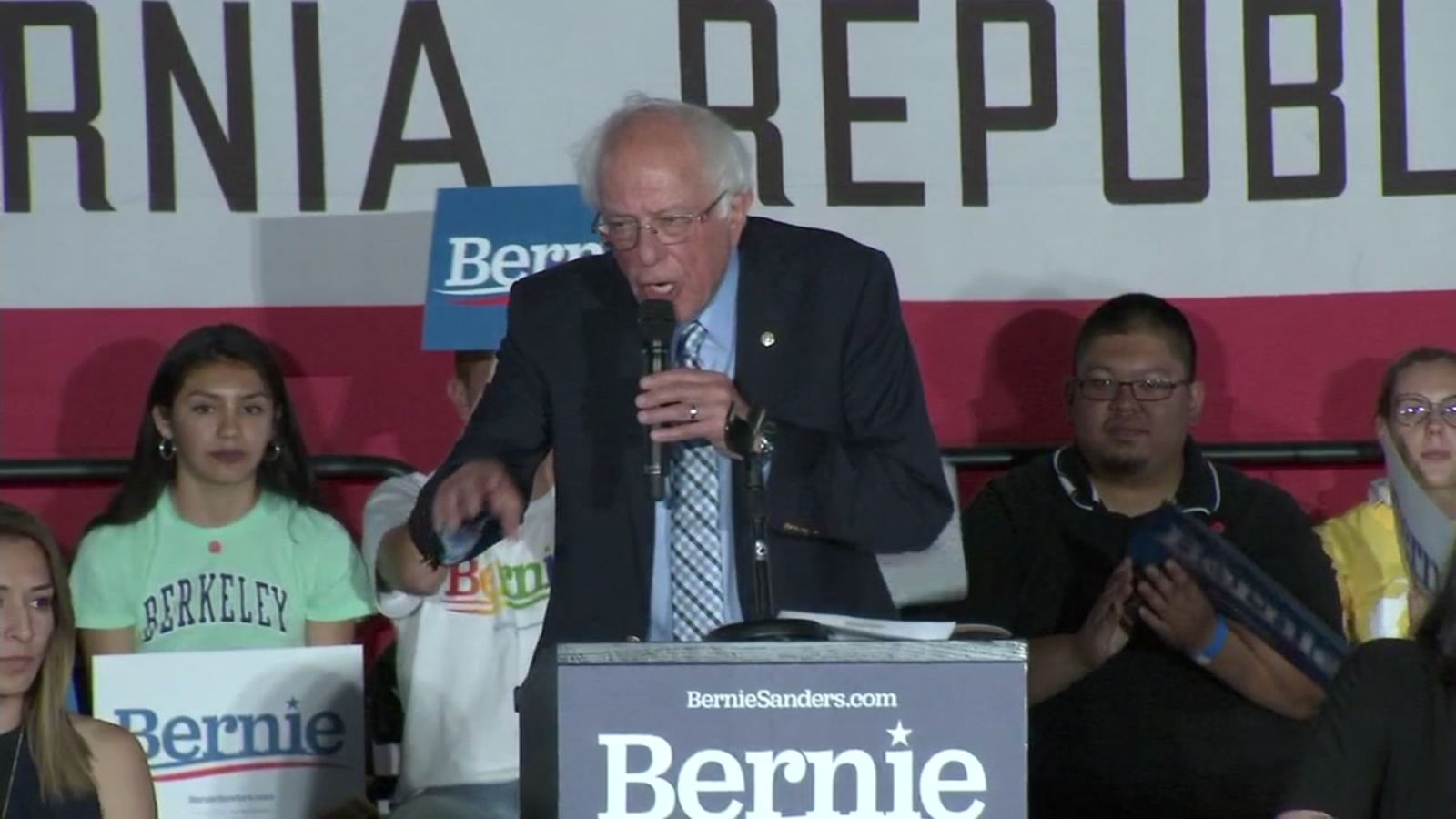 Bernie Sanders hosts town hall on college affordability in San Francisco