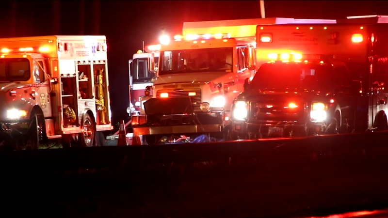 2 dead, 10 hospitalized in I-95 van crash in Cumberland County