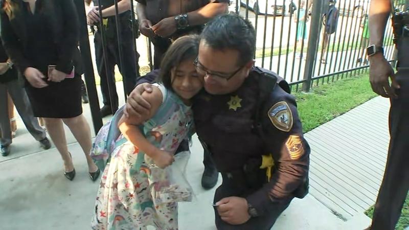 Deputies escort fallen deputy's daughter to 2nd grade