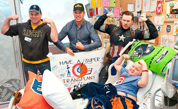 "<div class=""meta image-caption""><div class=""origin-logo origin-image none""><span>none</span></div><span class=""caption-text"">Chris Evans in his Captain America outfit wandered the halls of the Seattle Children's Hospital accompanied by his friend, Chris Pratt, after a Super Bowl bet. (Seattle Children's/Facebook)</span></div>"