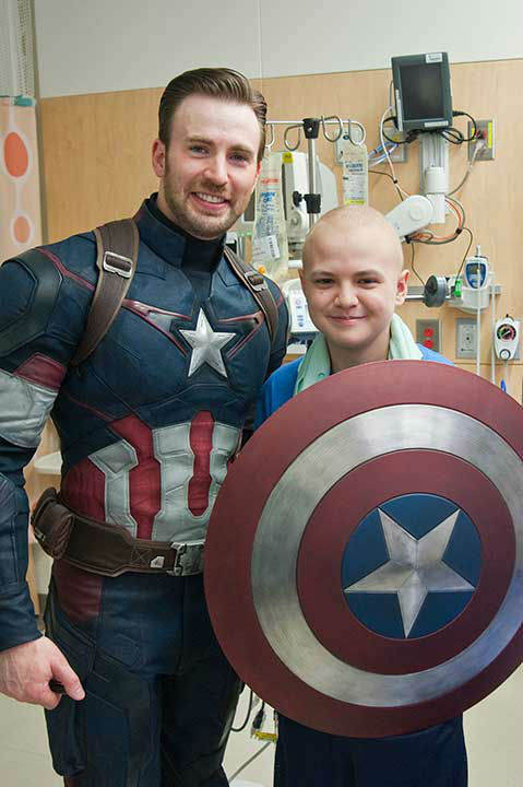 "<div class=""meta image-caption""><div class=""origin-logo origin-image none""><span>none</span></div><span class=""caption-text"">Chris Evans in his Captain America outfit wandered the halls of the Seattle Children's Hospital accompanied by his friend, Chris Pratt, after a Super Bowl bet. (Photo/Erik Stuhaug)</span></div>"
