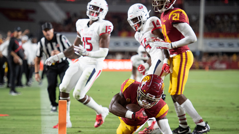 Fresno State falls to USC, 31-23 in the Bulldogs season opener at the  Coliseum