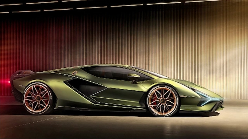 Lamborghini to unveil fastest car it has ever made-and it's a hybrid