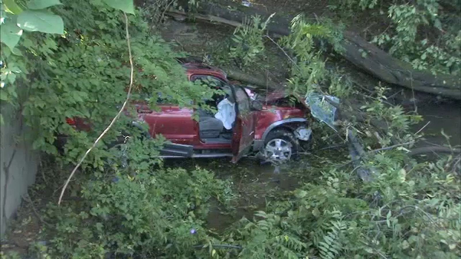 Driver crashes down embankment in Northeast Philadelphia ...