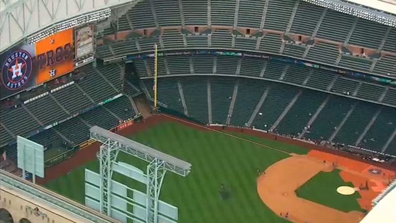 Astros Stadium >> Abc13 S Nick Natario Shows The Difference With The New Mmp Netting