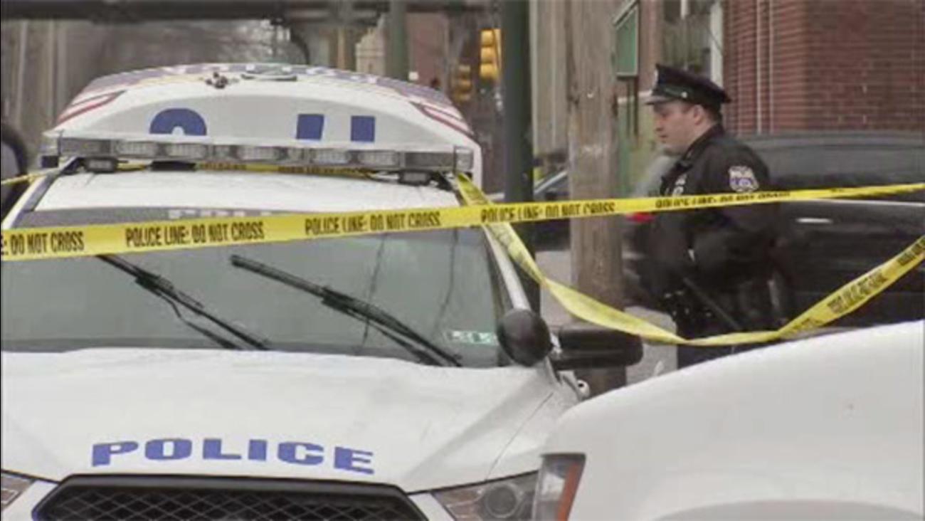 Man shot in the abdomen in South Philadelphia