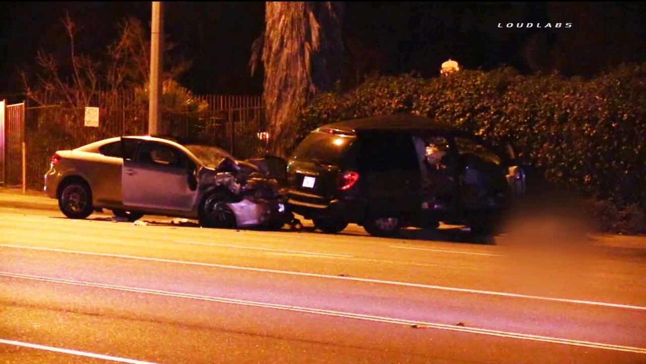 2 killed, 1 injured in 2-car crash in Riverside | abc7 com