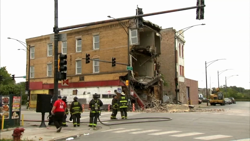 West Garfield Park Building Collapse Injures Cdot Worker Chicago Fire Department Says Abc7 Chicago