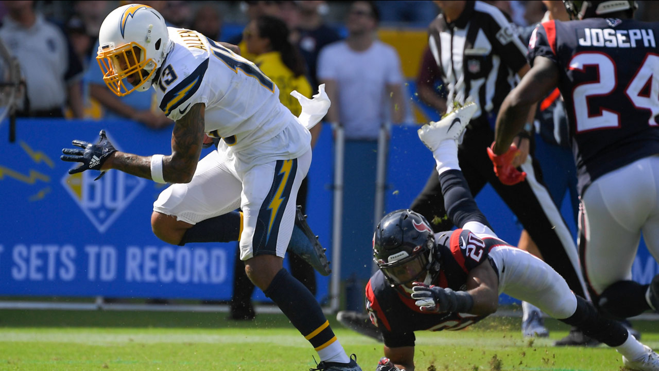 pretty nice 4646b a3717 Los Angeles Chargers fall short 27-20 after last-minute ...