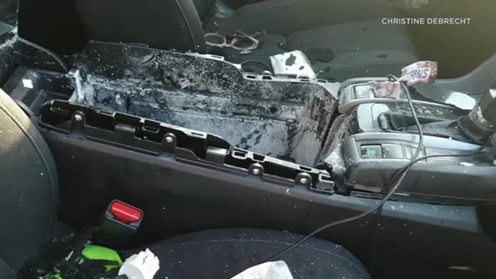 Dry shampoo can explodes, shatters car's sunroof in Missouri