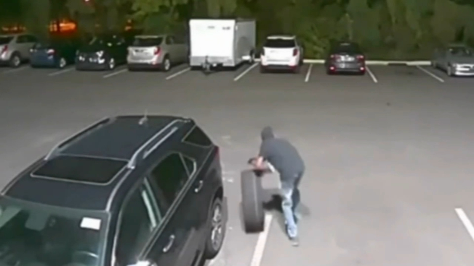 Video shows tire theft from New Jersey car dealership ...