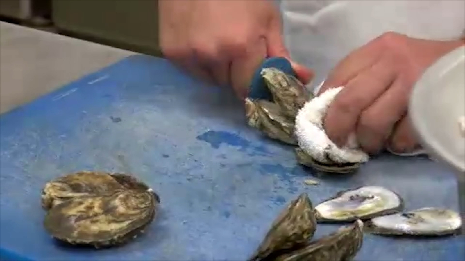 Cary man dies after contracting vibrio from eating oysters at Wilmington