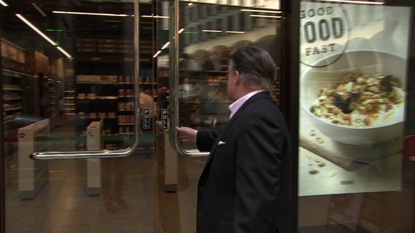 Are San Francisco stores complying with the city's 'cashless' ban?