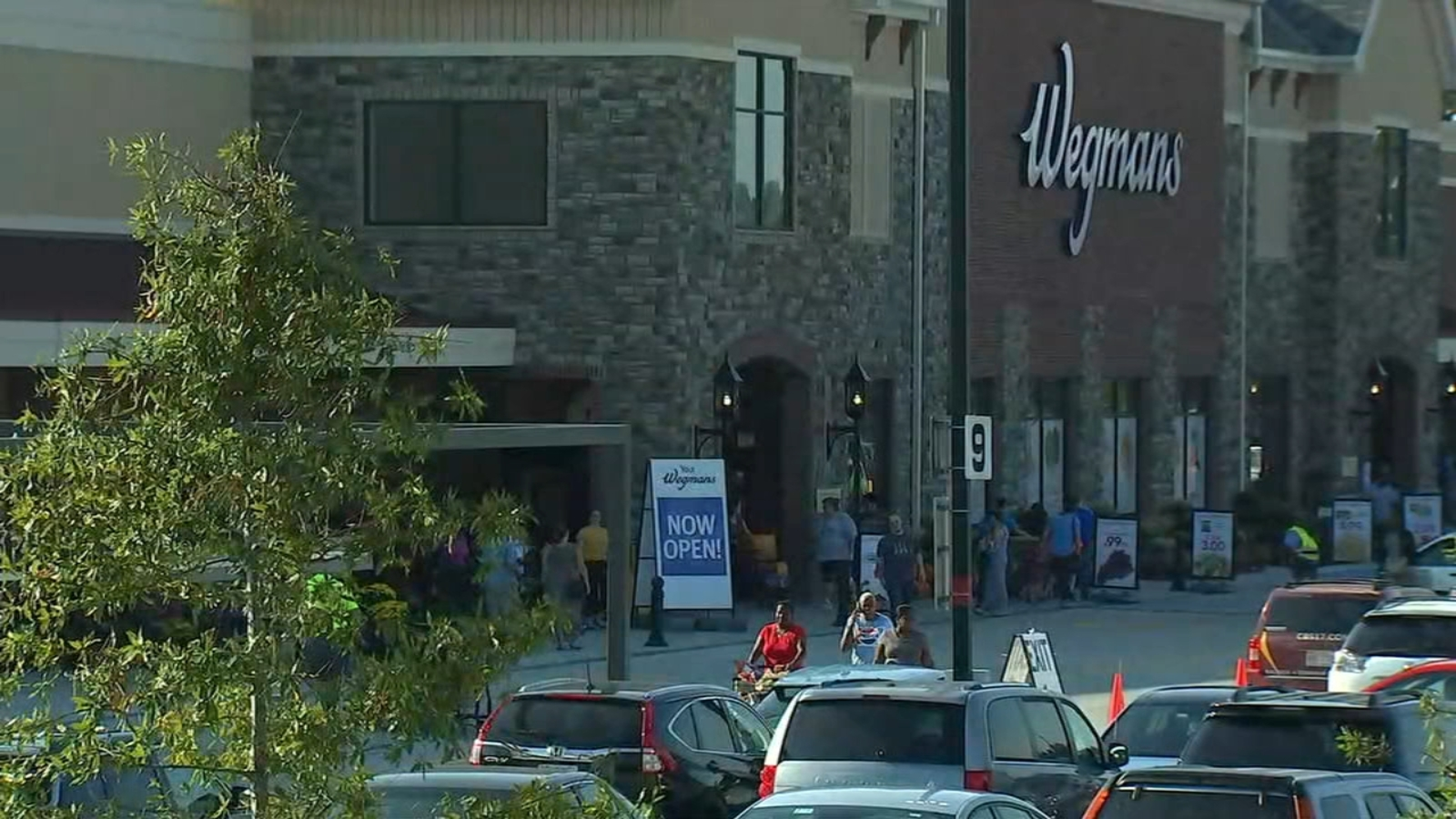 NC's first Wegmans breaks records for the grocery store chain