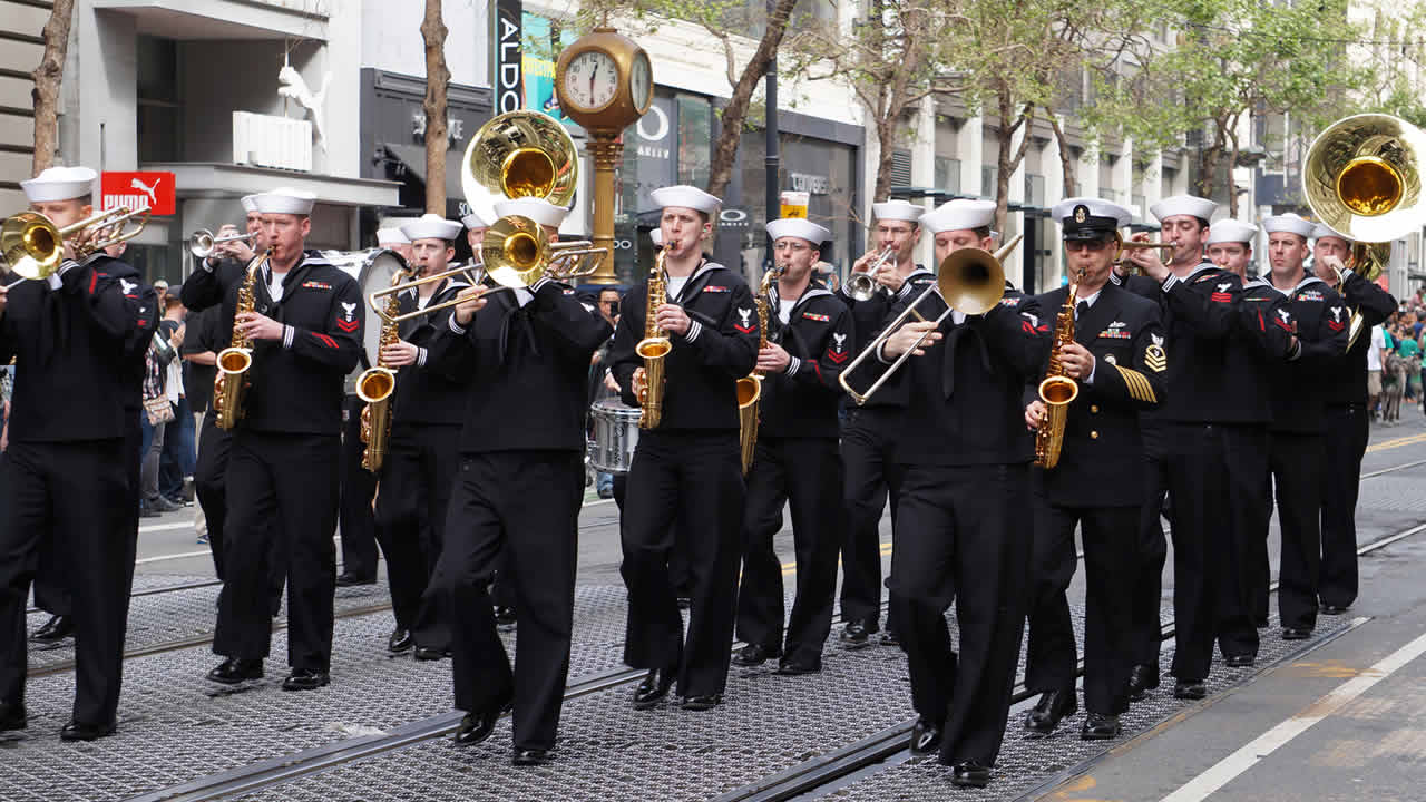 "<div class=""meta image-caption""><div class=""origin-logo origin-image kgo""><span>KGO</span></div><span class=""caption-text"">The Navy Band Northwest from Bremerton, Washington participated in the annual St. Patrick's Day Parade in San Francisco on March 14, 2015. ((Photo submitted by Amy via uReport))</span></div>"