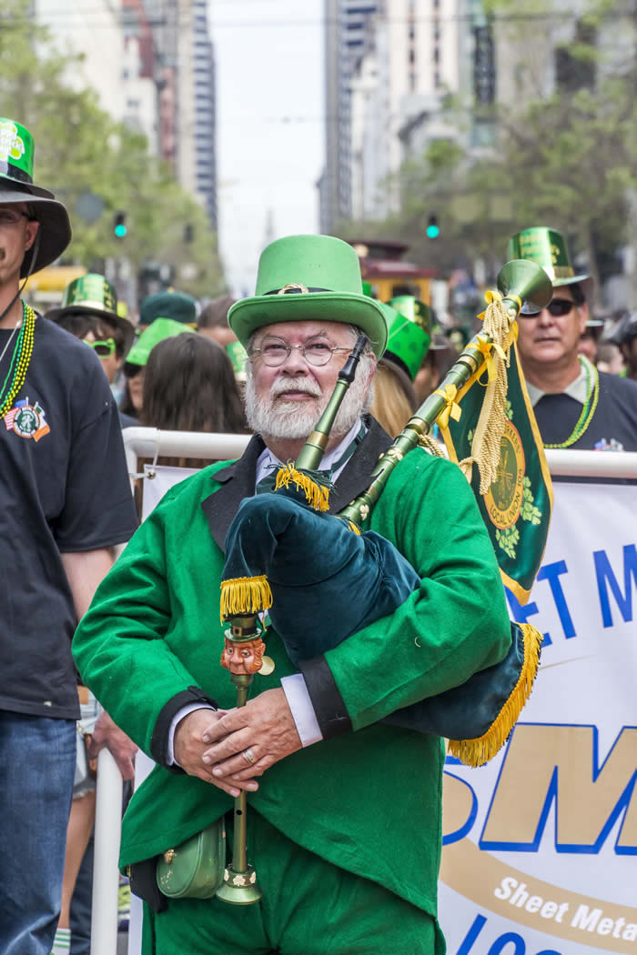 "<div class=""meta image-caption""><div class=""origin-logo origin-image kgo""><span>KGO</span></div><span class=""caption-text"">Thousands gathered in San Francisco to participate in and also watch the annual St. Patrick's Day Parade in San Francisco on March 14, 2015. ((Photo submitted via uReport))</span></div>"