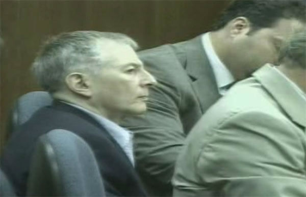 "<div class=""meta image-caption""><div class=""origin-logo origin-image none""><span>none</span></div><span class=""caption-text"">Robert Durst in the courtroom during the 2003 trial.</span></div>"