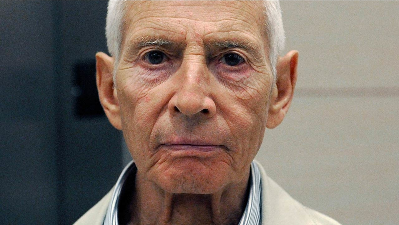 New York City real estate heir Robert Durst leaves a Houston courtroom Tuesday, Sept. 16, 2014.