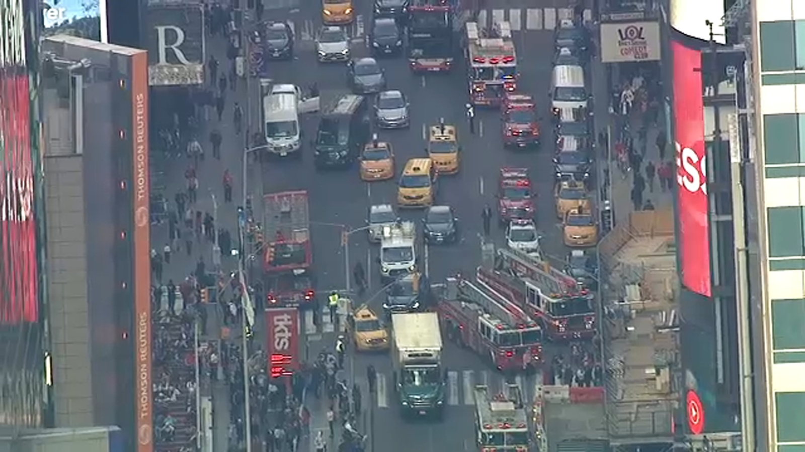 Injuries reported in Midtown Manhattan manhole explosion