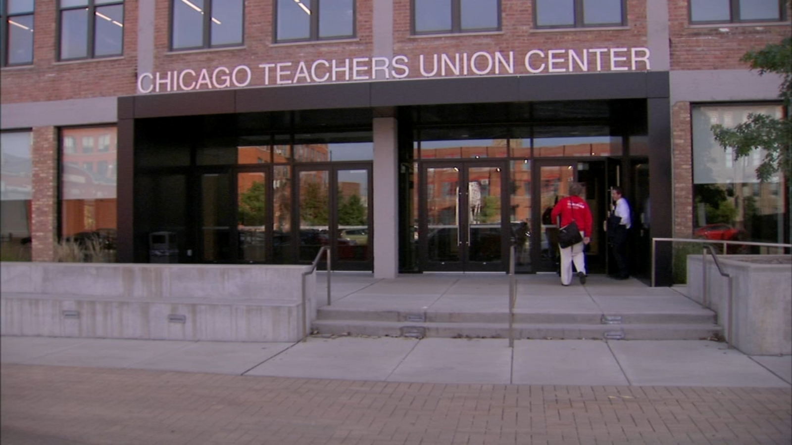 Chicago Board of Education President enters negotiating mix as potential teachers strike looms