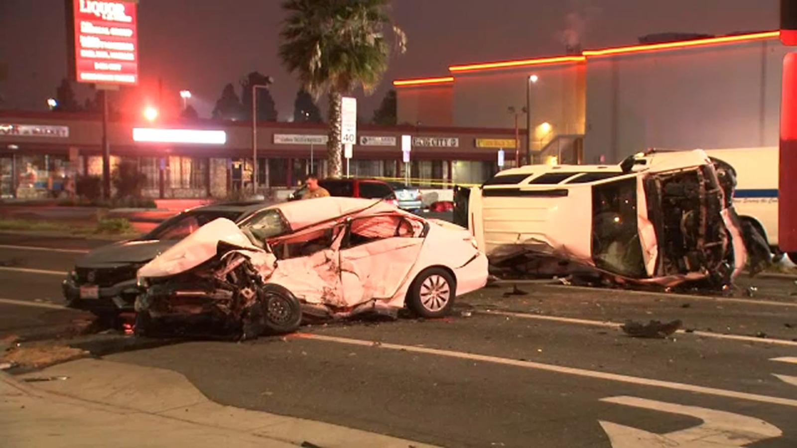 2 dead, 1 injured after crash involving several vehicles in Hawaiian Gardens