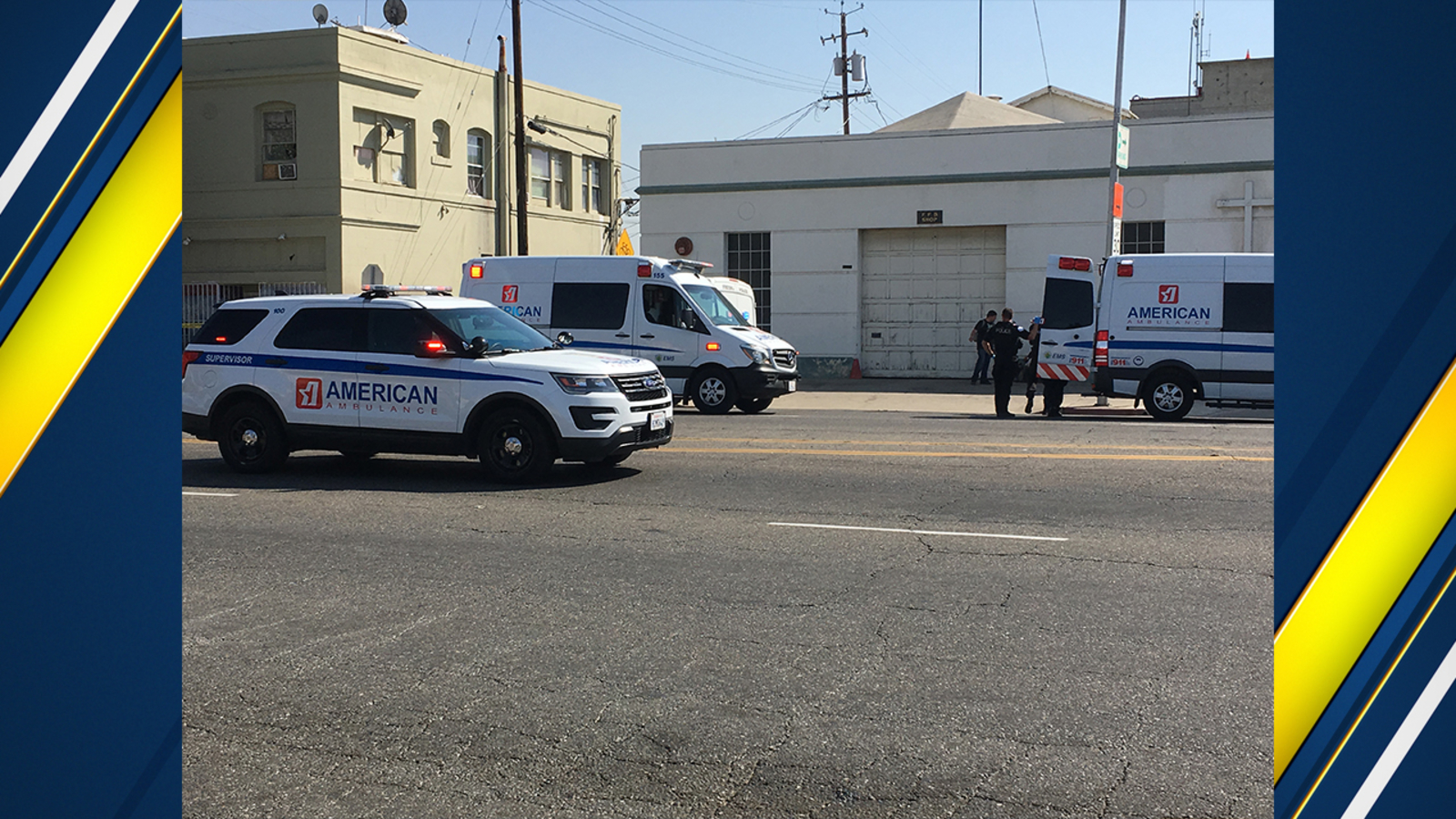 Police investigating after 2 people stabbed in downtown Fresno