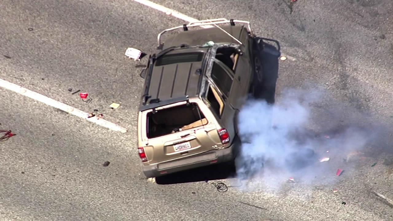 """<div class=""""meta image-caption""""><div class=""""origin-logo origin-image kgo""""><span>KGO</span></div><span class=""""caption-text"""">A high-speed car chase ended in a rollover crash on northbound Interstate 280 in Los Altos Hills on Tuesday, March 17, 2015.</span></div>"""