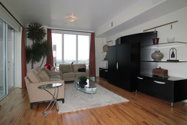 """<div class=""""meta image-caption""""><div class=""""origin-logo origin-image none""""><span>none</span></div><span class=""""caption-text"""">One of several condo units that Robert Durst owns in the Rice Village (Photo/HAR.com)</span></div>"""