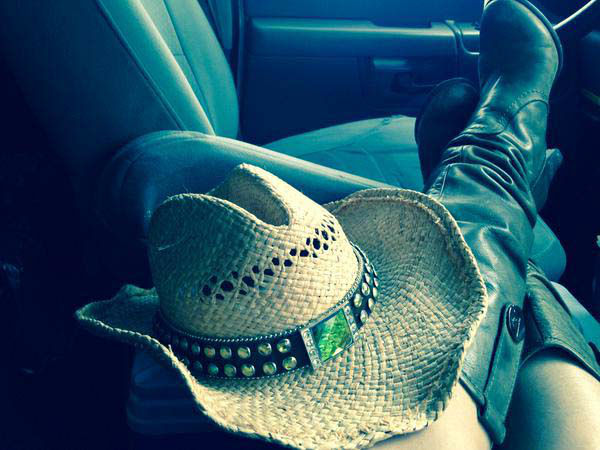 """<div class=""""meta image-caption""""><div class=""""origin-logo origin-image none""""><span>none</span></div><span class=""""caption-text"""">Sonia getting ready to cover the Rodeo (KTRK Photo)</span></div>"""