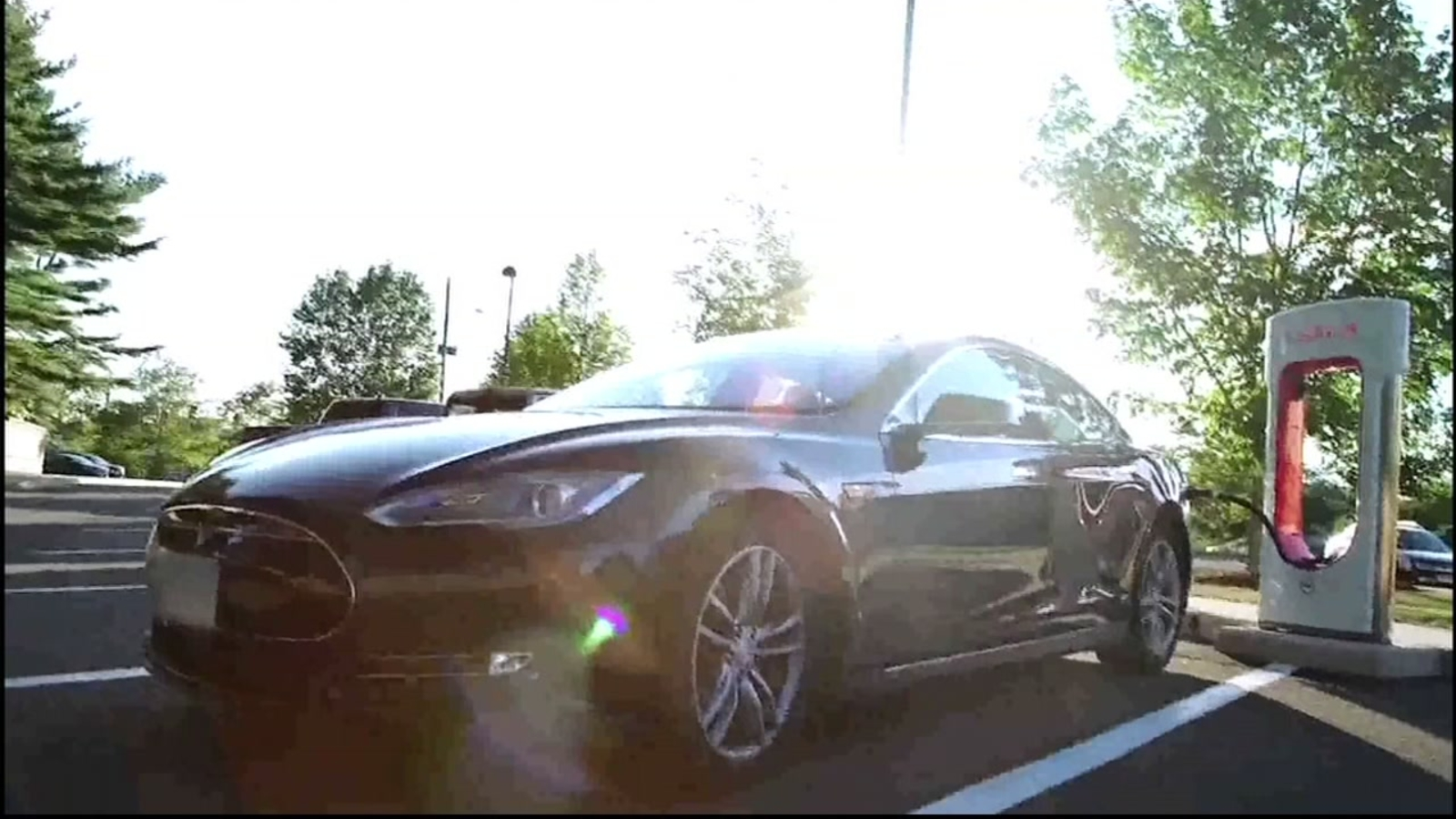 Consumer Reports takes a closer look at electric cars