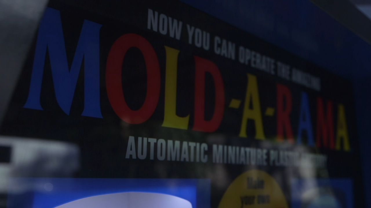 Mold-A-Rama machines keep pumping out souvenirs familiar to all Chicagoans