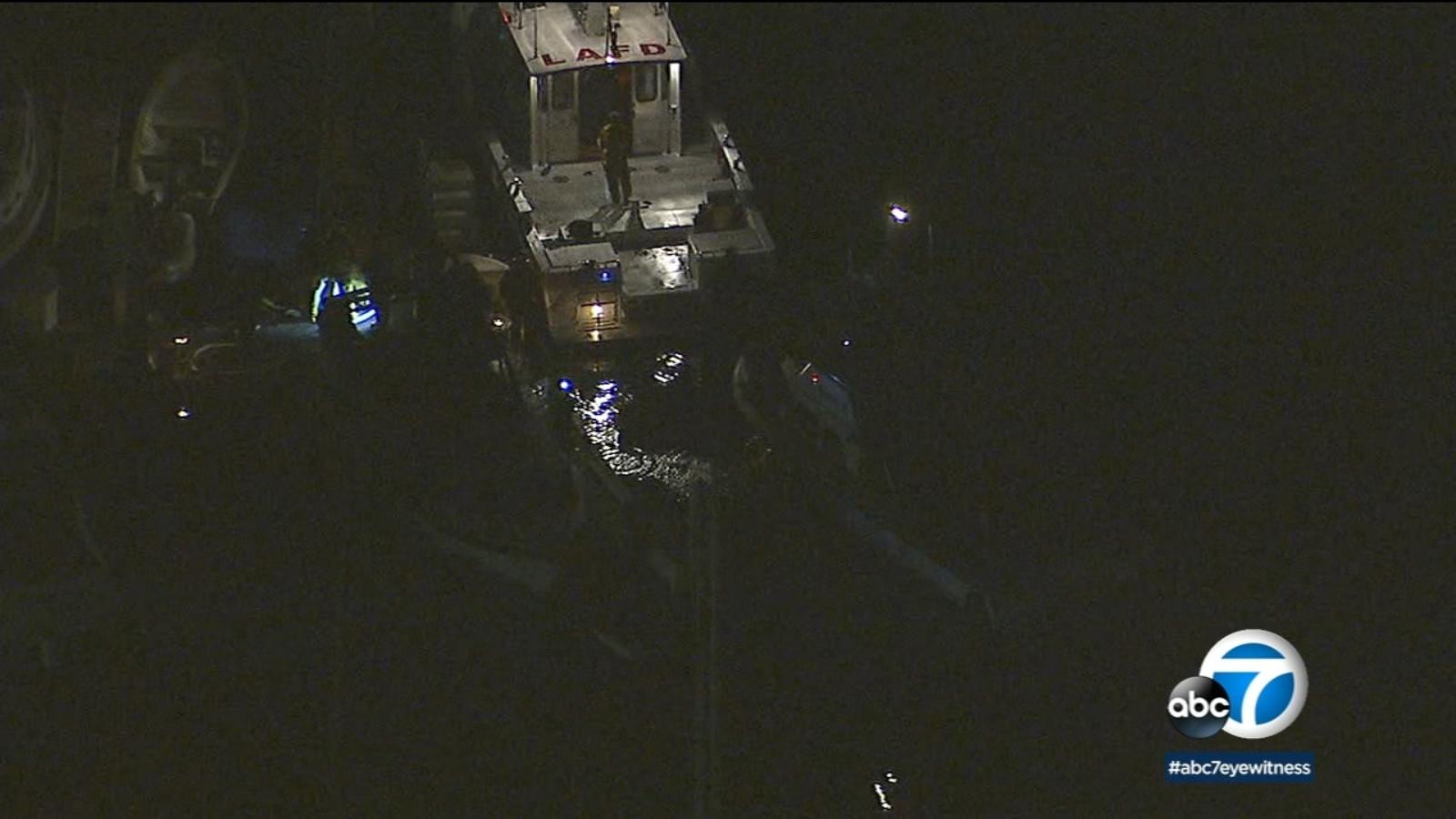 1 dead in fire on 35-foot boat in San Pedro